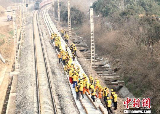 宁启铁路复线电气化工程今年建成年底正式通车运营