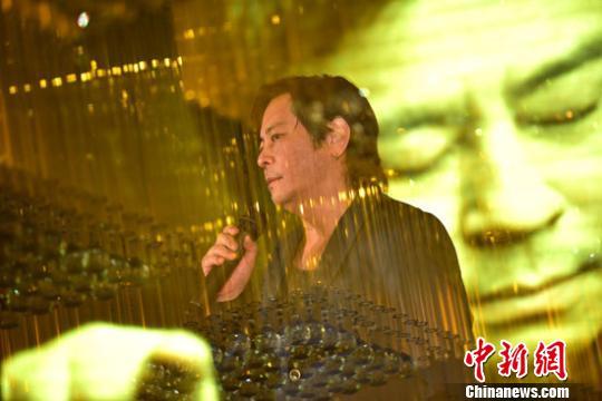 专访王杰:巨星靠内涵,名利上出人头地不长久(图)