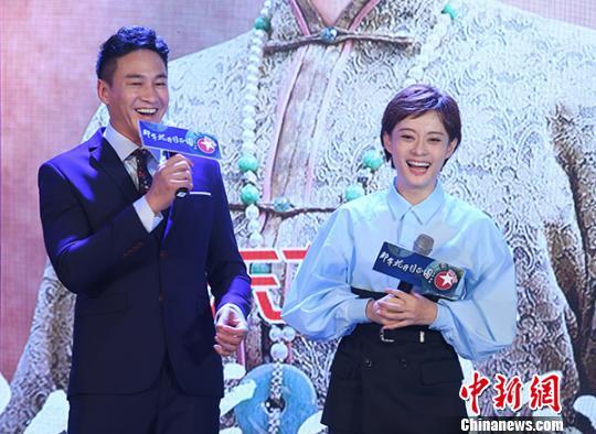 《那年花开月正圆》是何润东和孙俪的第三部电视剧合作。 官方 摄