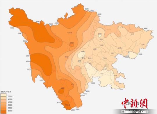 雅砻江流域太阳能资源概况。 钟欣 摄