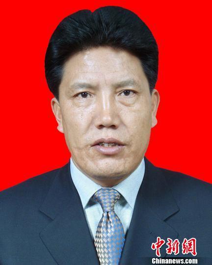 洛桑江村当选西藏自治区人大常委会主任
