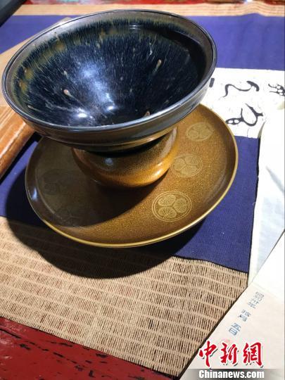 黄国梁从日本购得的福清东张宋窑兔毫黑釉盏。 郑松波 摄