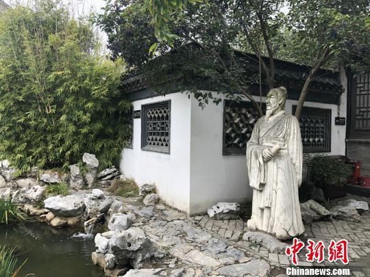吴承恩故居内的雕塑。 徐珊珊 摄