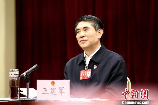 """青海省委书记:搞""""建筑""""要有百年思维"""