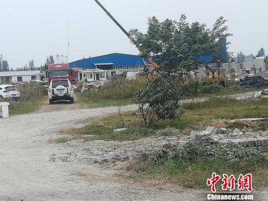 拆除前的襄阳樊城牛首汉江河滩 钟欣 摄