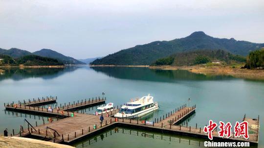 图为佛子岭水库码头。 夏莹 摄