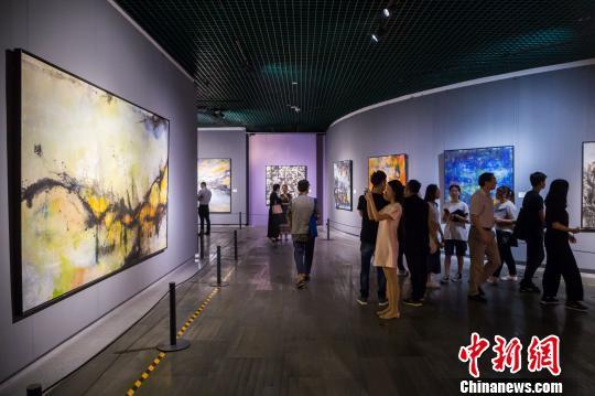 法籍华人艺术家作品福州展出