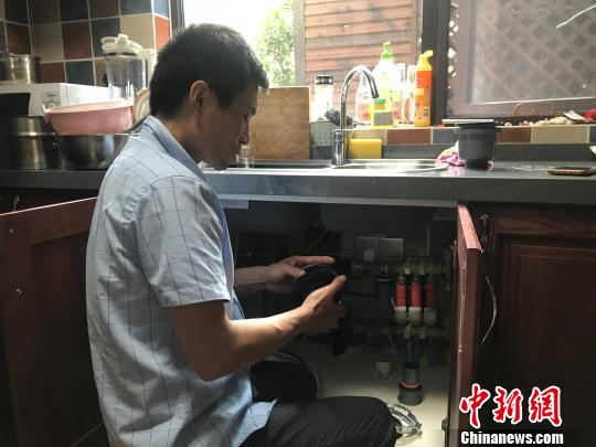 月入過萬還供不應求垃圾處理器安裝工成上海最火工種