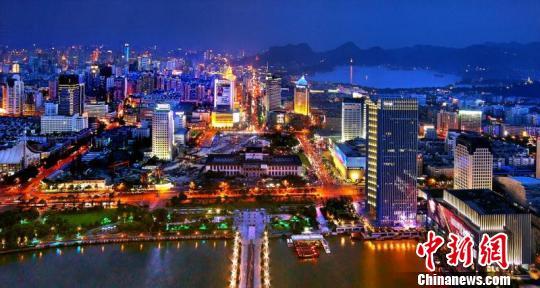 图为杭州夜景。 下宣 摄