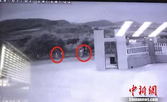 象山警方监控画面。 警方 供图 摄