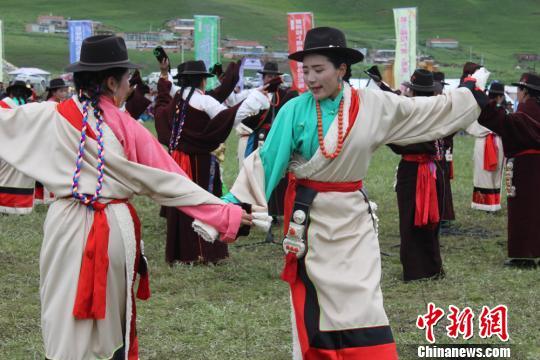 """甘肃夏河办则柔比赛""""现代表达""""拉卜楞传统文化"""