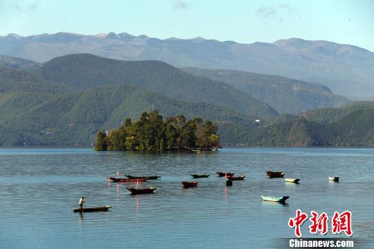 """环泸沽湖国际自行车公开赛:""""高原明珠""""上的欢乐盛会"""