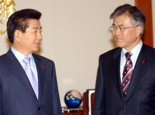 韩举行前总统卢武铉逝世8周年追悼式 文在寅将出席