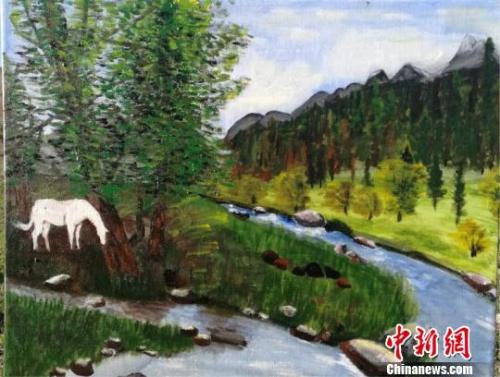 图为福建籍职业画家黄雪梅创作的作品《白马》。 黄雪梅 摄