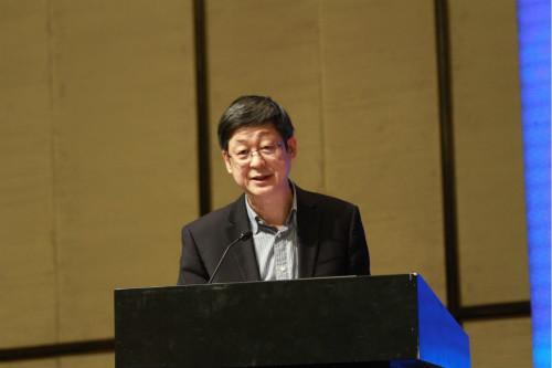 图:中国建筑学会理事长、国家住宅科技产业技术创新战略联盟理事长修龙先生。