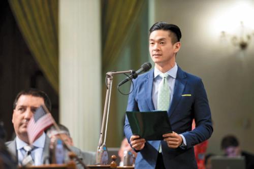 罗达伦在加州议会中提案。(美国《世界日报》/罗达伦办公室 提供)