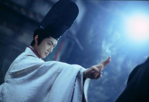 2001年上映的日本电影《阴阳师》剧照。
