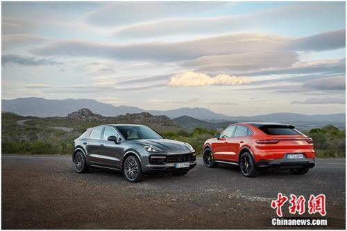 全新Cayenne Coupé 和全新Cayenne Turbo Coupé