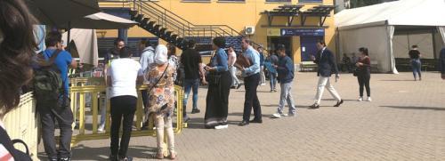 留学生抵达警局后签署的文件。(图片来源:欧洲时报 受访者供图)