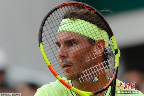 """當地時間6月9日,在2019年法國網球公開賽中,""""紅土之王""""納達爾以總比分3:1戰勝對手蒂姆,第12次奪得法國網球公開賽男單冠軍,這也是納達爾獲得的第18個大滿貫冠軍頭銜。"""