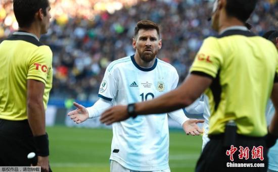 梅西遭巴西后卫席尔瓦怒批:没教