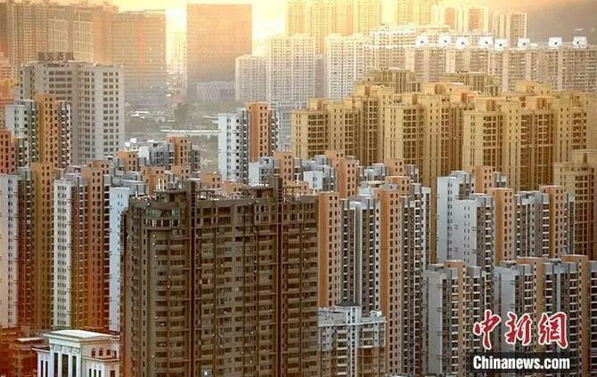 资料图:图为福建省龙岩市区一处房地产楼盘。<a target='_blank' href='http://www.chinanews.com/'>中新社</a>记者 张斌 摄