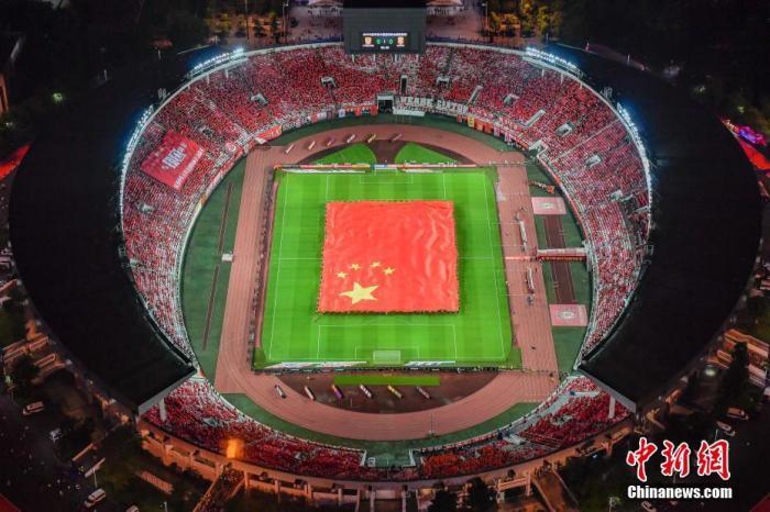 资料图:广州恒大目前使用的主场广州天河体育场。<a target='_blank' href='http://www.chinanews.com/'>中新社</a>记者 陈骥旻 摄