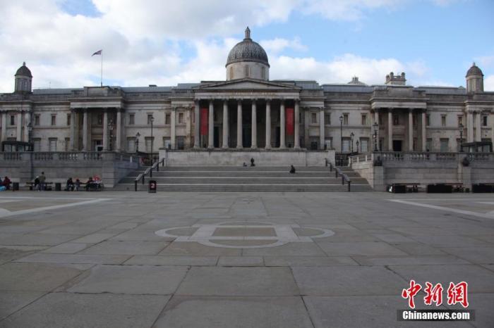 图二:图为疫情下,空旷的伦敦市中心特拉法加广场。记者 张平 摄