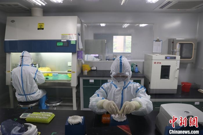 中国拟新增10个新职业 互联网营销师、核酸检测员在列