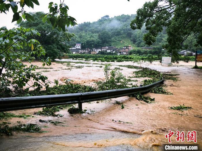 南方的雨还要下10天!暴雨引发多种地质灾害