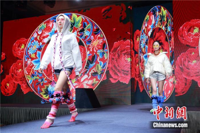 """从""""选择题""""到""""必答题"""" 中国袜业之乡上线""""设计智库"""""""