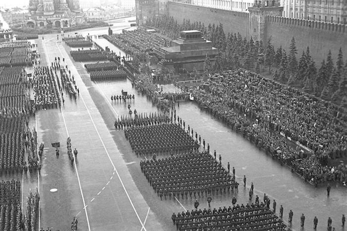 1945年6月24日胜利日阅兵。图片来源:俄罗斯国防部。