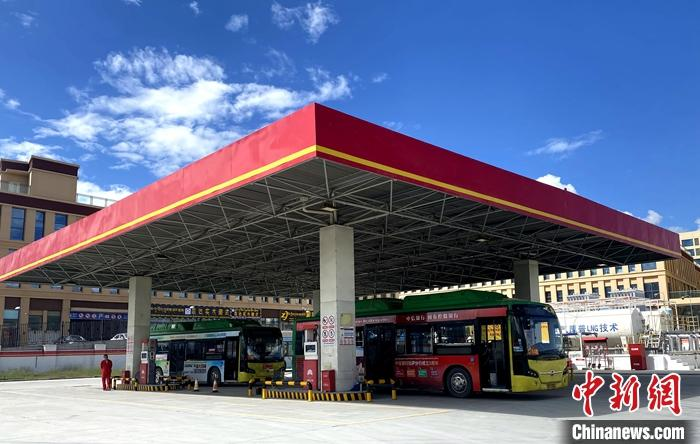 西藏自治区首座具备LNG加注功能的加气站,填补了拉萨市车用LNG的空白
