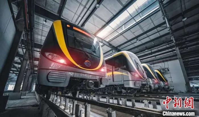铁轨上的中国:15年甚至30年后,坐火车是一种什么体验?