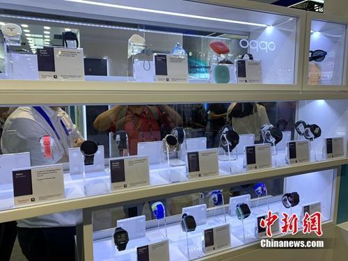 资料图:5G终端产品展示。<a target='_blank' href='http://www.chinanews.com/' >中新网</a> 吴涛 摄