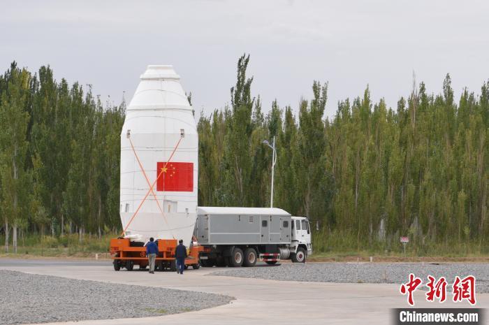 资料图,火箭转运。 王淇俊 摄