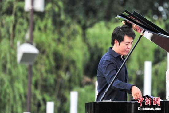 郎朗(资料图)<a target='_blank' href='http://www.chinanews.com/'>中新社</a>记者 于海洋 摄