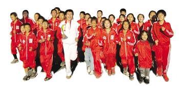 """梦想之家:鞍山马拉松训练基地让48个孩子""""跑""""进大学"""