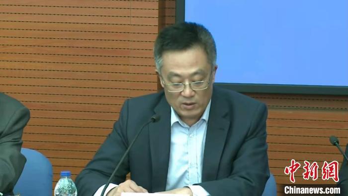 上海机场组织力量对浦东机场货运单位人员进行核酸检测。 陈静 摄