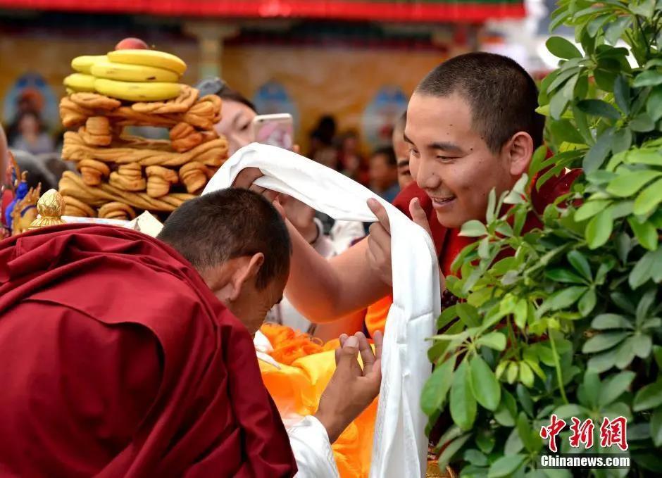 资料图:2016年7月10日,协·扎西格培寺创建700周年暨重建大殿落成典礼在西藏自治区日喀则市谢通门县举行。李林 摄