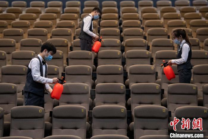 剧院电流限制 近一千场演出被取消或推迟,春节摊位呢?