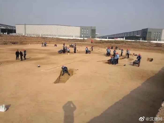 """机场扩建""""秒变""""考古现场,啥情况?"""