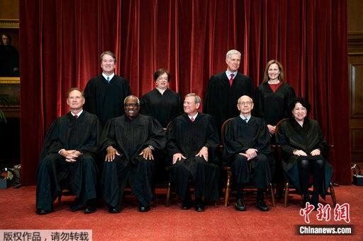 美最高法院发布最新合影 9名大法官首次集体亮相(图)