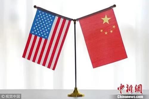 中美国旗。图片来源:视觉中国