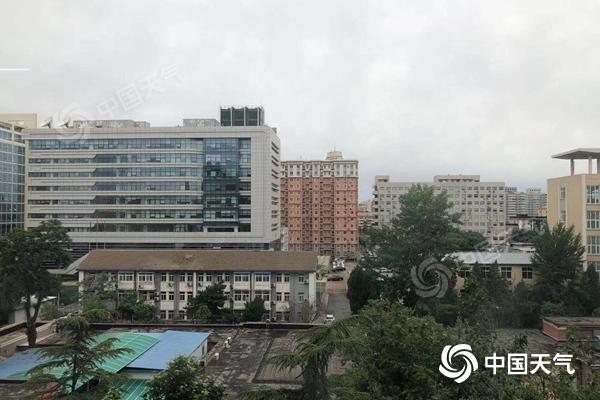 北京降雨逐渐停歇明后天或冲击30℃ 未来一周有望入夏