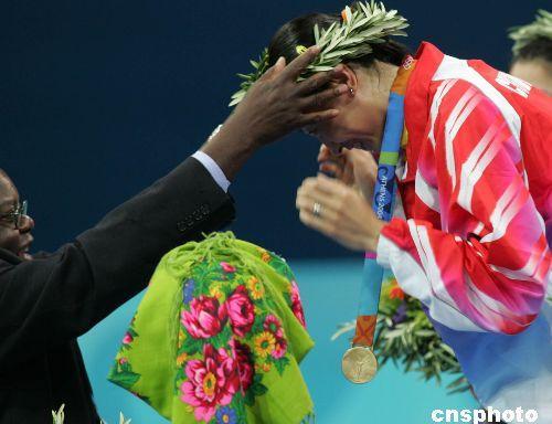 2004年雅典奥运会,29岁的张宁首次夺得奥运女单冠军。中新社记者 任晨鸣 摄