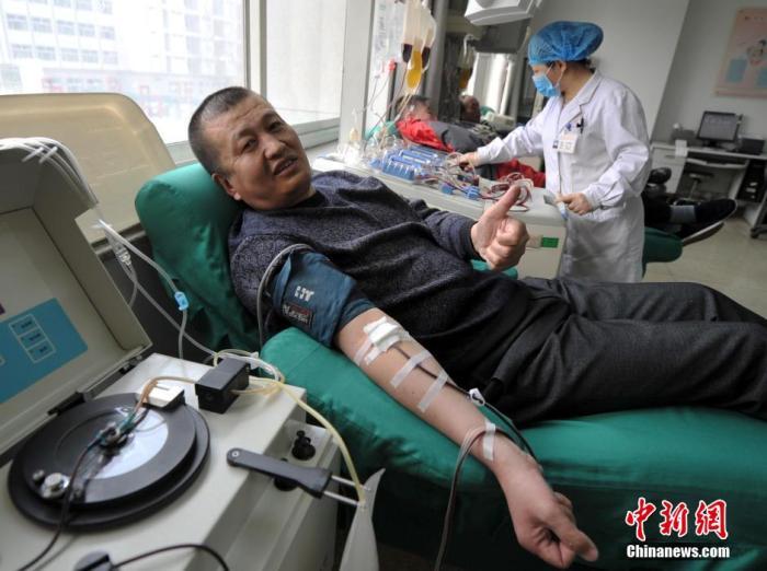 中国无偿献血居全球前列 你曾为爱伸出手臂吗?