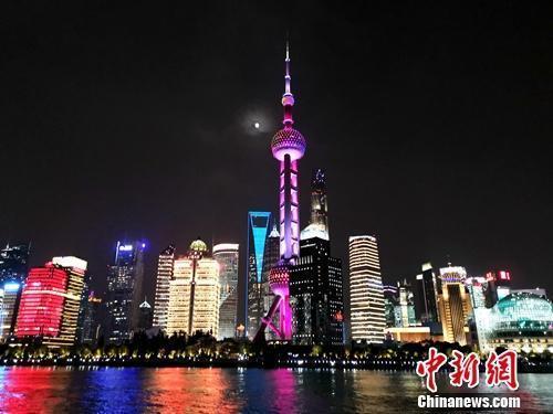 上海外滩。<a target='_blank' href='http://www.chinanews.com/' >中新网</a>记者 张旭 摄