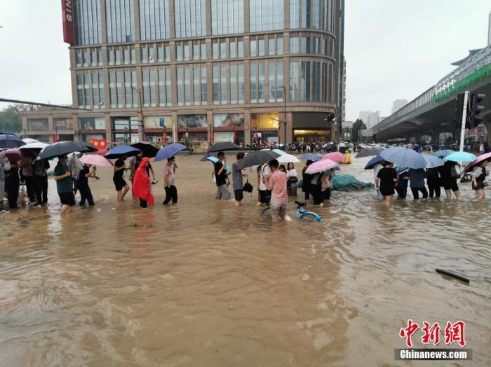 火速抗疫!南京30小时内集合数百名医护人员支援南京疫情防控