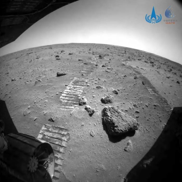 """""""祝融号""""火星车行驶里程突破800米深圳助孕 正穿越复杂地带"""
